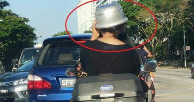 Konyol, Wanita Ini Gunakan Panci sebagai Pengganti Helm